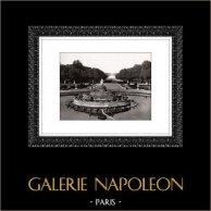 Palazzo di Versailles - Château de Versailles - Giardine - Bassin de Latone e Tapis Vert | Incisione heliogravure originale. Estratto della Collezione Versailles et les Trianons. 1920