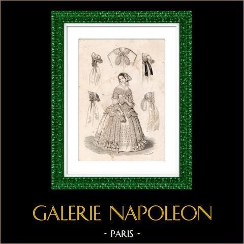 Stampa di Moda Francese - 19 Secolo - 1850 - Lingerie - Biancheria - Estafette des Modes | Incisione su acciaio originale. Anonima. Colorata a mano d'epoca. 1850