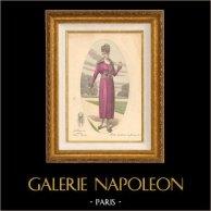 Grabado de Moda Francesa - Parisiense - Parisina - Francia - Seda - Vestido para el Otoño | Grabado de moda . Coloreado a mano de epoca. Anónimo. 1880