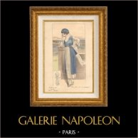 Grabado de Moda Francesa - Parisiense - Parisina - Francia - Un Bonito Vestido para la Campaña | Grabado de moda . Coloreado a mano de epoca. Anónimo. 1890