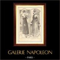 Gravure de Mode - Femme Française - Parisienne - France - Robe - Robe de Velours Souple avec Corsage en Filet d'Or Vieilli
