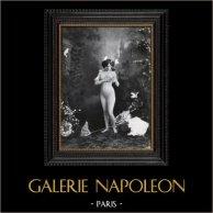 Daguerrotipo Erótico Francés - Desnudo Femenino - Mujer Desnuda Rodeada por las Mariposas | Original heliograbado según un daguerrotipo erótico realizado en 1880. 1930