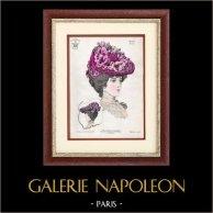 Moda Francesa - Paris - 1900 - Peinado y Sombrero - Manon 11 | Grabado de moda . Anónimo. Coloreado a mano de epoca. 1900
