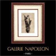 Escultura na Bélgica - Estátua de Madeira - Gertrudes de Nivelles (Laurent Delvaux) | Heliogravura original sobre papel de arte. Anónima. 1920
