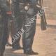 DÉTAILS 05 | Le chef de l'Ambassade du Maroc salue le drapeau français - Toulon - 1901