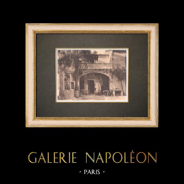 Grabados & Dibujos Antiguos | Una casa antigua en Fontvieille - Provenza (Francia) | Fototipia | 1928