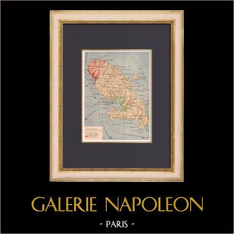 Mappa della Martinica - Eruzione del La Pelee - St Pierre - 1902 | Incisione xilografica originale stampata in cromotipografia disegnata da Létot. Retro stampato. 1902