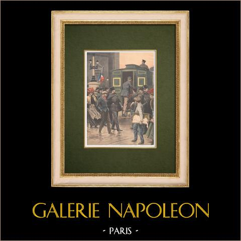 Efter Rafle förs brottslingar till polisstationen - Paris - 1907 | Original träsnitt tryckt i kromotypografi. Anonym. Text på baksidan. 1907