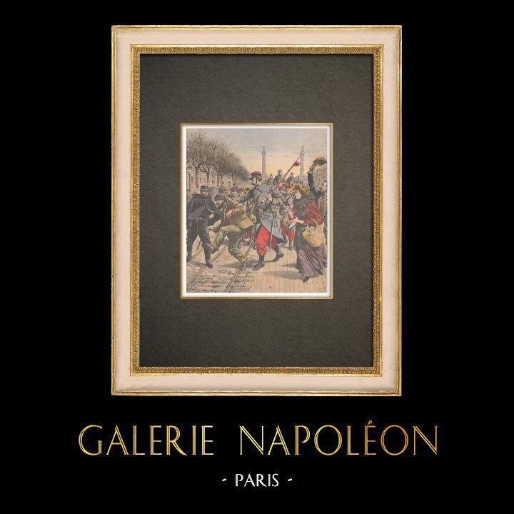 Grabados & Dibujos Antiguos | Antimilitarismo - Desfile militar Cours de Vincennes - Francia - 1909 | Grabado xilográfico | 1909