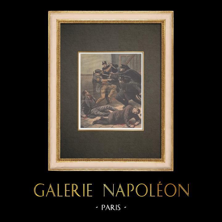 Antika Tryck & Ritningar | En man attackerar polisen i Paris - 1910 | Träsnitt | 1910