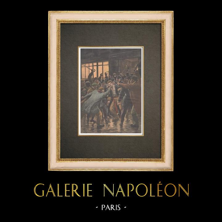 Stampe Antiche & Disegni | Agenti di Polizia ha attaccati a Parigi - L'assassino è minacciato dalla folla - 1910 | Incisione xilografica | 1910