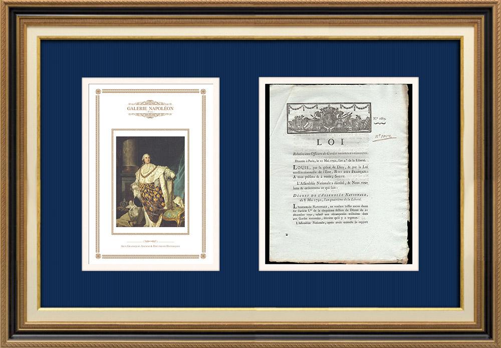 Décret - Révolution Française - 1792 - Officiers des Gardes nationaux volontaires | Portrait de Louis XVI (Joseph Siffred Duplessis) | Décret N°1689 de l'Assemblée Nationale avec vignette gravée sur bois du 8 Mai 1792, l'An 4 de la Liberté. Document original imprimé sur papier vergé filigrané par de PIVRON à Le Mans en 1792.