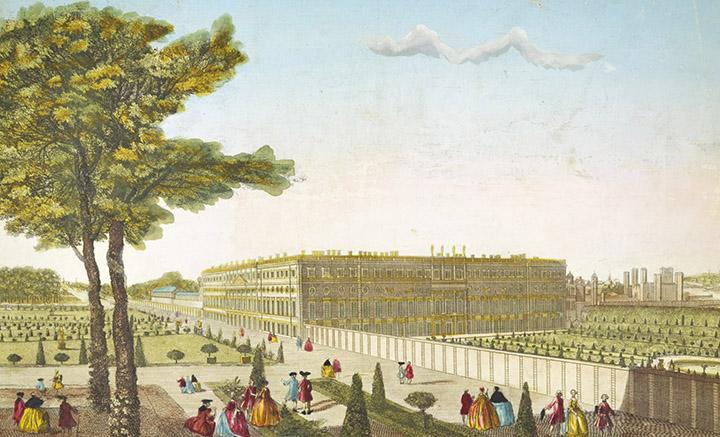 Optical view of the Royal Palace of Hampton Court (England)