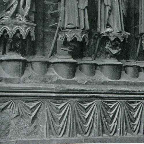 gravures anciennes cath drale de reims portail occidental statues d corant la porte. Black Bedroom Furniture Sets. Home Design Ideas