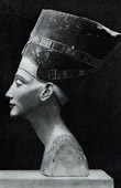 Ancient Egypt - Egyptology - The Egyptian Art - Sculpture - Statue - The Iconic Bust of Nefertiti