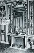 Marbel  Hearth (Cauvet) - Epoque Louis XVI - Boiseries Sculptées et Dorées - Hotel de Noailles Mouchy