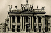Basilica of St. John Lateran in Rome - Colossal Corinthian Pilasters - Fa�ade Baroque d'Alessandro Galilei - Statues (Italy)