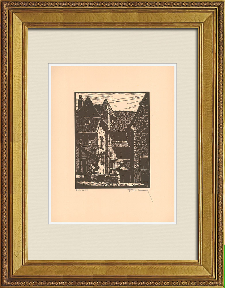 Antique Prints & Drawings | View of Montluçon - Old courtyard - Allier (France) | Wood engraving | 1935