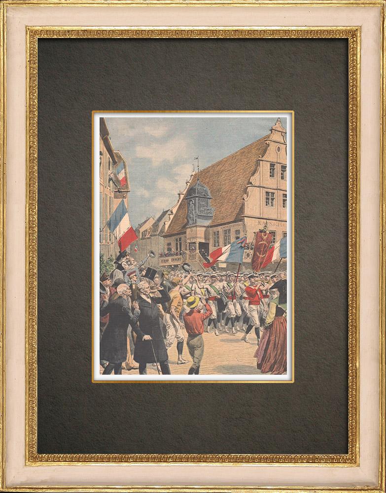 Antika Tryck & Ritningar | Den franska flaggan flyger i Alsace på Molsheim - Frankrike - 1909 | Träsnitt | 1909